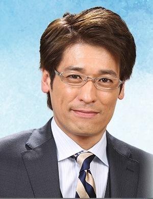 ナオミとカナコの眼鏡を掛けたかっこいい佐藤隆太